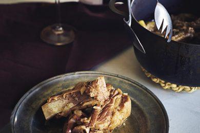 イチジクとスペアリブのバルサミコ酢煮込み【プロに聞いたお家ごはんレシピ】