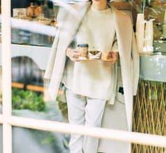 すっかり馴染み深い【淡ワントーン】で冬の清潔感スタイル[12/14 Mon.]