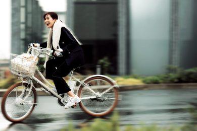 キレイめな時は【白スニーカー】、合わせを考えずに穿ける![12/28 Mon.]