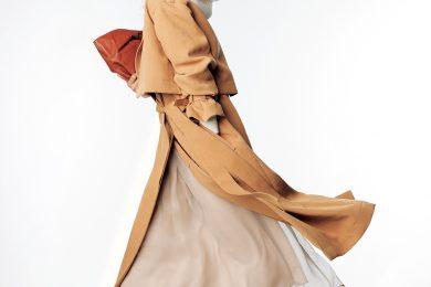久々の通勤服はスニーカーで今っぽく!「きちんと服×スニーカー」コーデをマスターする方法