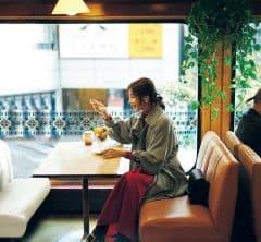 とっておきのカフェタイム、【バックルブーツ】の足元からわくわく[1/15 Fri.]