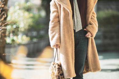 【真冬の防寒オシャレSNAP!⑨】ニットとブラウスを上手に重ねると着こなしの幅が広がります
