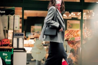 オリヴィア・パレルモ流「スカーフマスク」でご近所オシャレは もっと楽しい!