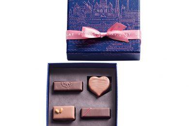 美しい青が印象的な「ラ ・メゾン・デュ・ショコラ」の2021年バレンタインコレクション「パリ ア ルール ーブルー 」