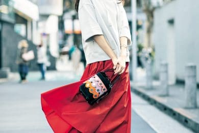 上品なパーカ×スカートなら、ワンツーコーデもサマになる![3/17 Wed.]
