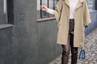 肌寒い日も「ポンチョタイプの薄軽コート」を羽織って可愛く♡[3/2 Tue.]