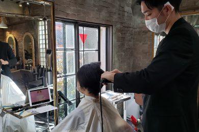"""話題の水素トリートメントで、髪もお疲れ気味の40代が1回の施術で潤いに満ちた中学生のような""""バージンヘア""""に!"""