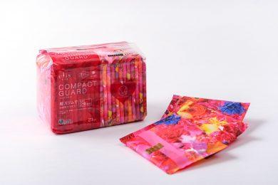 蜷川実花さんが手がける「M / mika ninagawa」とコラボしたナプキンが誕生!<br>デザインひとつで気分がアガります