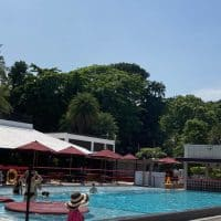 [シンガポール]Sariの生地で作られたKIMONOが人気!