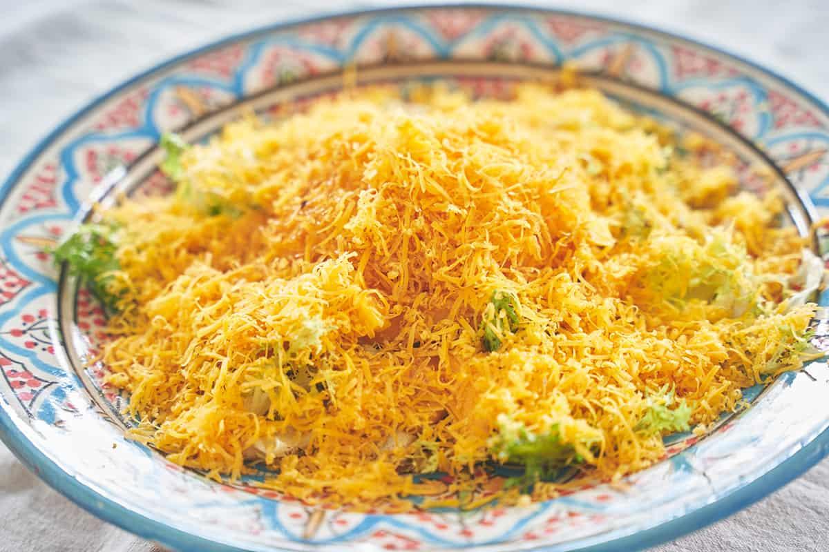 マンゴーとミモレットチーズのサラダ