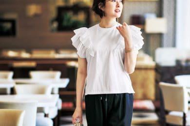 フリル袖Tシャツなら、ワンツーコーデが一気に華やぐ[7/10 Sat.]