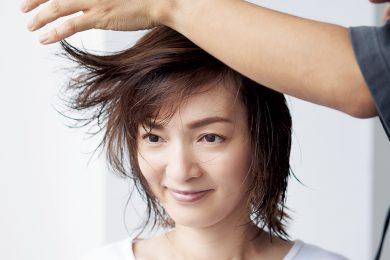 大人のぺたんこ髪をふんわり!「ドライヤーのかけ方」で髪は変わる!