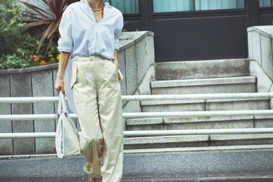 リラクシーなパンツで見慣れた白シャツを今っぽく更新[9/22 Wed.]