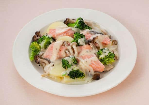 鮭とブロッコリーの温サラダ