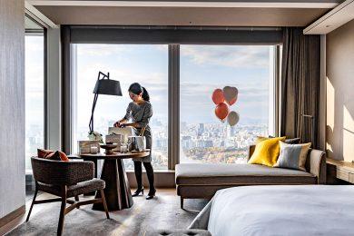 「フォーシーズンズホテル東京大手町」ホテル専用1万円分のプリペイドカード付特別宿泊プランがスタート!