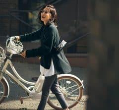 自転車の日は動きやすさ重視のポンチョ×デニムスタイル![10/3 Sun.]