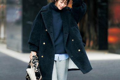 """毎日着られる「ボアコート」が、スタイリスト井関かおりさんの""""元取れコート"""""""