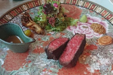 """銀座の""""ど真ん中""""を一望しながら希少な黒毛和牛を!ステーキの完璧な焼き方を追求した「tcc炉窯炭火焼Steak」を体験"""