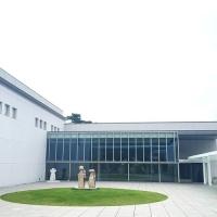 葉山の近代美術館と<br />レディーガガのシューズデザイナー