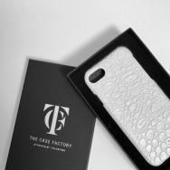 新年はお得に速くTHE CASE FACTORYの携帯ケースを新調