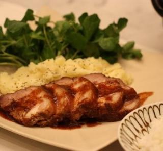 ご飯がすすむお肉料理『豚ロースの簡単煮込み』